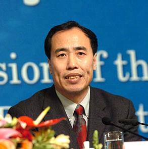 王兆星:要围绕提升金融核心竞争力下功夫