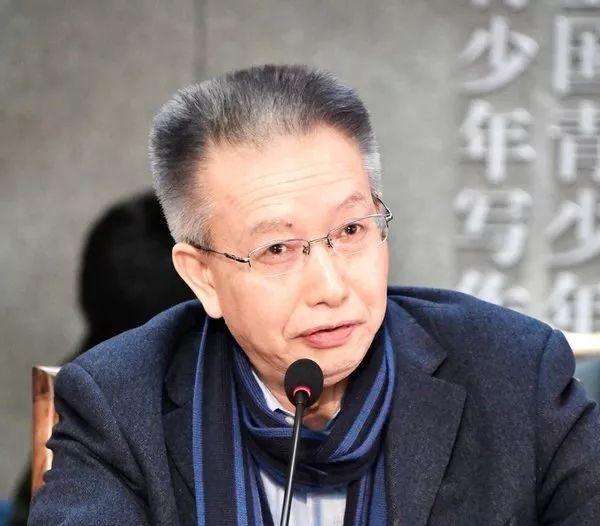 """陈晓明在国学论坛上为""""文化强国""""支招:构建中国文学的伟大传统"""