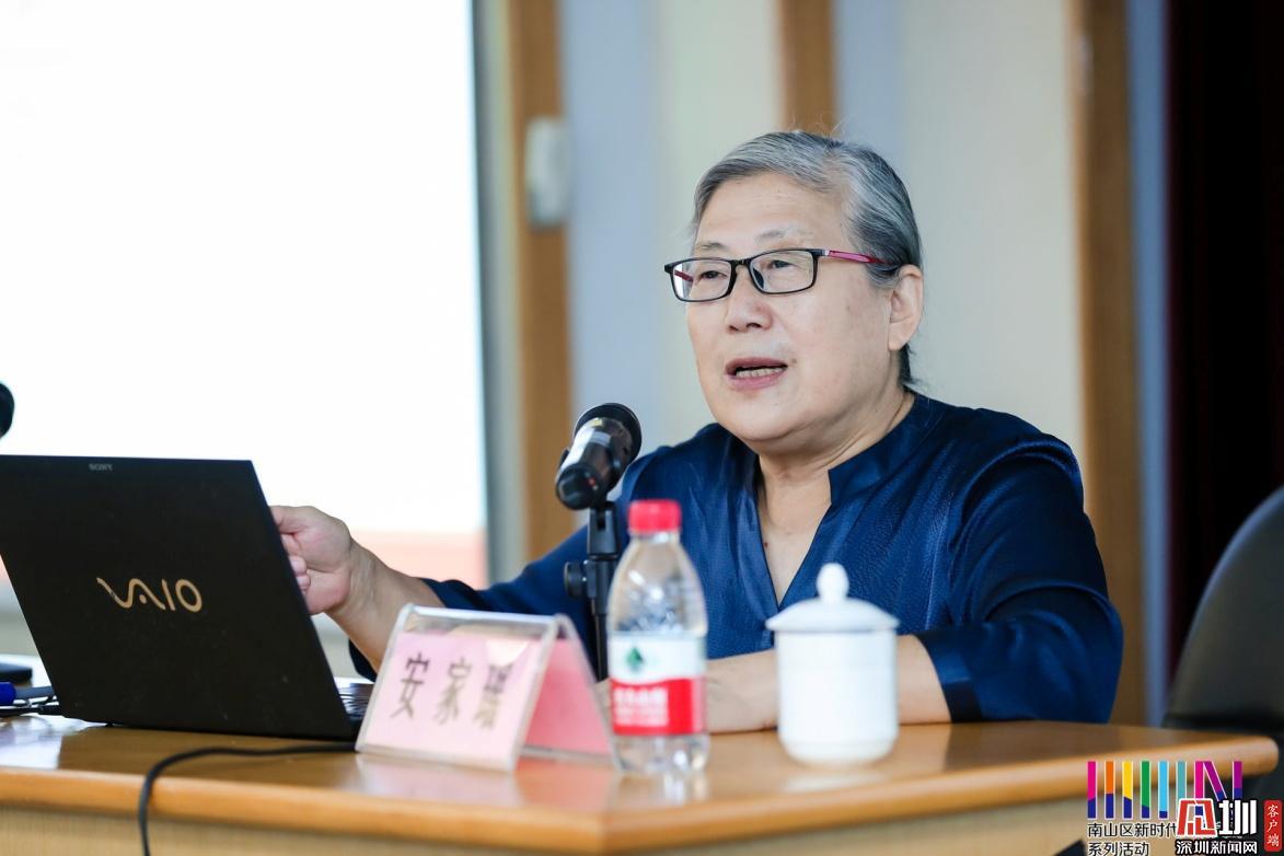 """安家瑶接受专访谈""""玻璃"""":它折射出东西文化丝路交流的光华"""